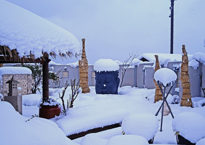 銅像雪.jpg